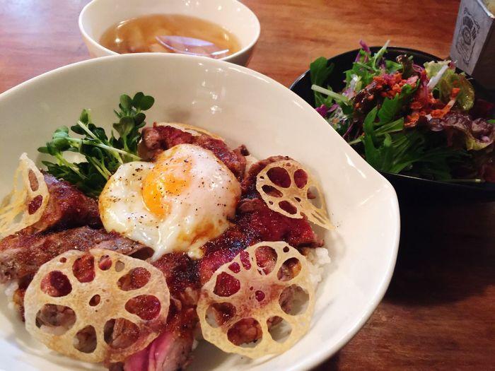 今日はちょいお洒落な ランチ (*^^*) 筑穂牛 の ステーキ丼 !美味い(#^.^#) Lunch