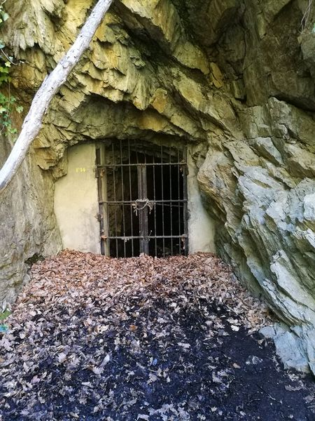 Cave Cold Temperature Nature Closed Digging For Gold