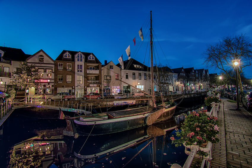 How about some fish and ships? It's Fryday after all. Illuminated Outdoors Travel Destinations No People European Architecture Wide Angle View Europe Trip Germany Architecture Architecture_collection Deutschland Lower Saxony Night Photography Long Exposure Reflection Ship Town TOWNSCAPE Buxtehude Night Photoraphy Night Lights Cityscape City Creative Shots CreativePhotographer