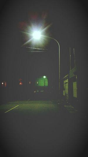 工作中之找路的女孩 Night Lights On The Road Alone Time Working :)