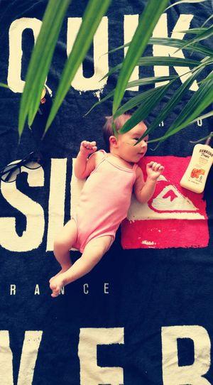 Sommergefühle Baby Child beach Beach Summertime Sunbathing☀ Quiksilver Quiksilverpro