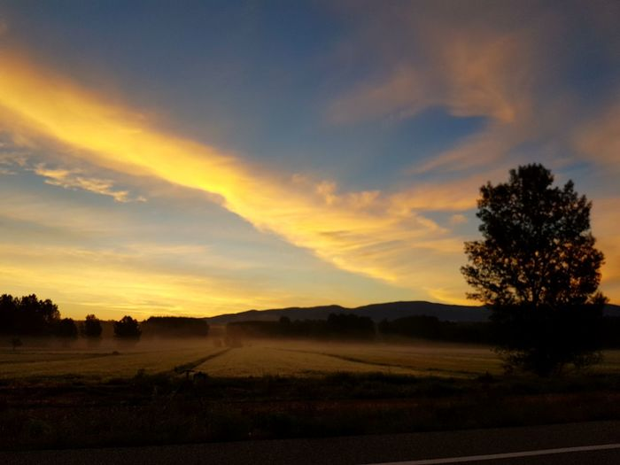 Oscura realidad. Sunset Landscape Tranquil Scene Rural Scene Beauty In Nature