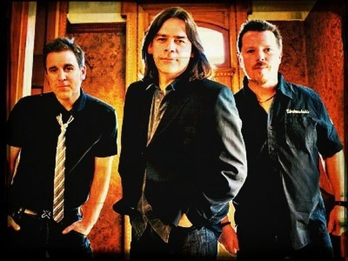 These three own my musical heart... Especially the one on the left. Oh, Séan McCann... You beautiful man! A man that can play the bodhrán has my heart. Music Bodhran Canadian Bands Worth Listening To! Great Big Sea
