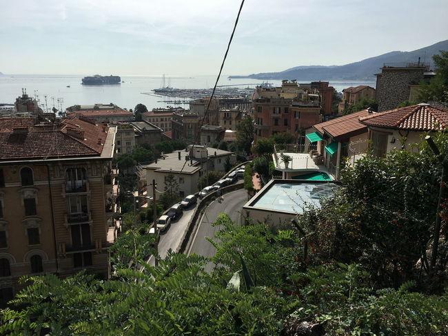 Berge Hafen Häuserfassade La Spezia Italy Panorama Schiffe Wolken Und Himmel Meerblick Straße