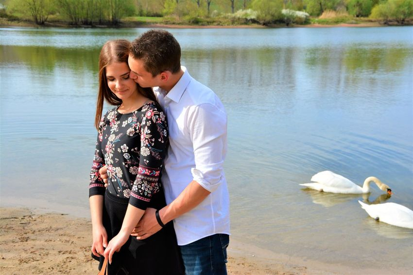 ➿💐 Water Togetherness Mid Adult Adult Men Two People Love People Couple - Relationship Nature Young Women Women Day Standing