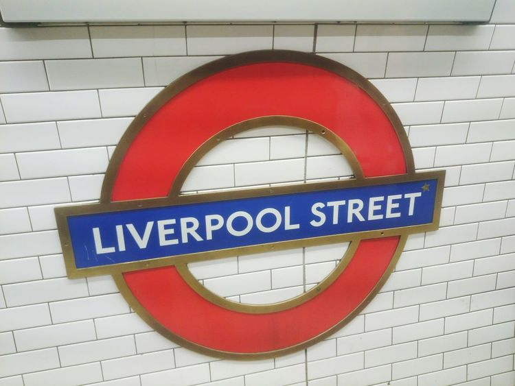 London Lifestyle in Liverpool Street underground station! London LONDON❤ London Underground Londononly Communication Brick Wall No People Red Close-up Good Condition Architecture