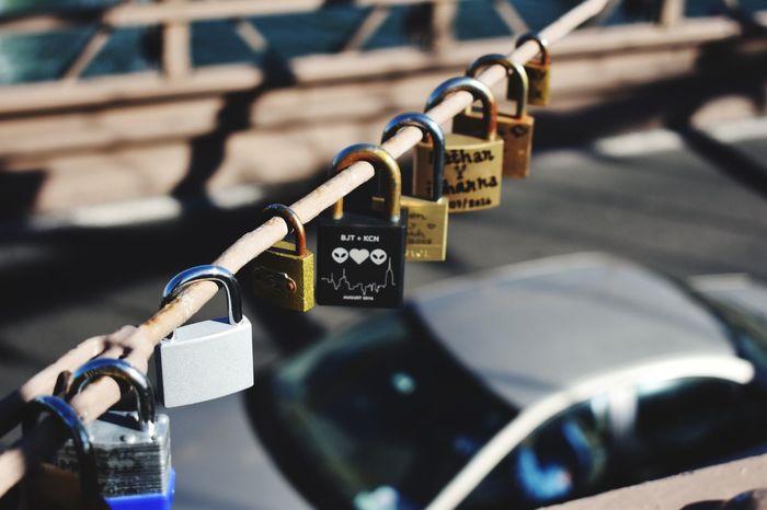 Padlock Love Lock Lock Metal Bridge - Man Made Structure Bridge Love♡ NYC Romantic Place City Candados De Amor Puente
