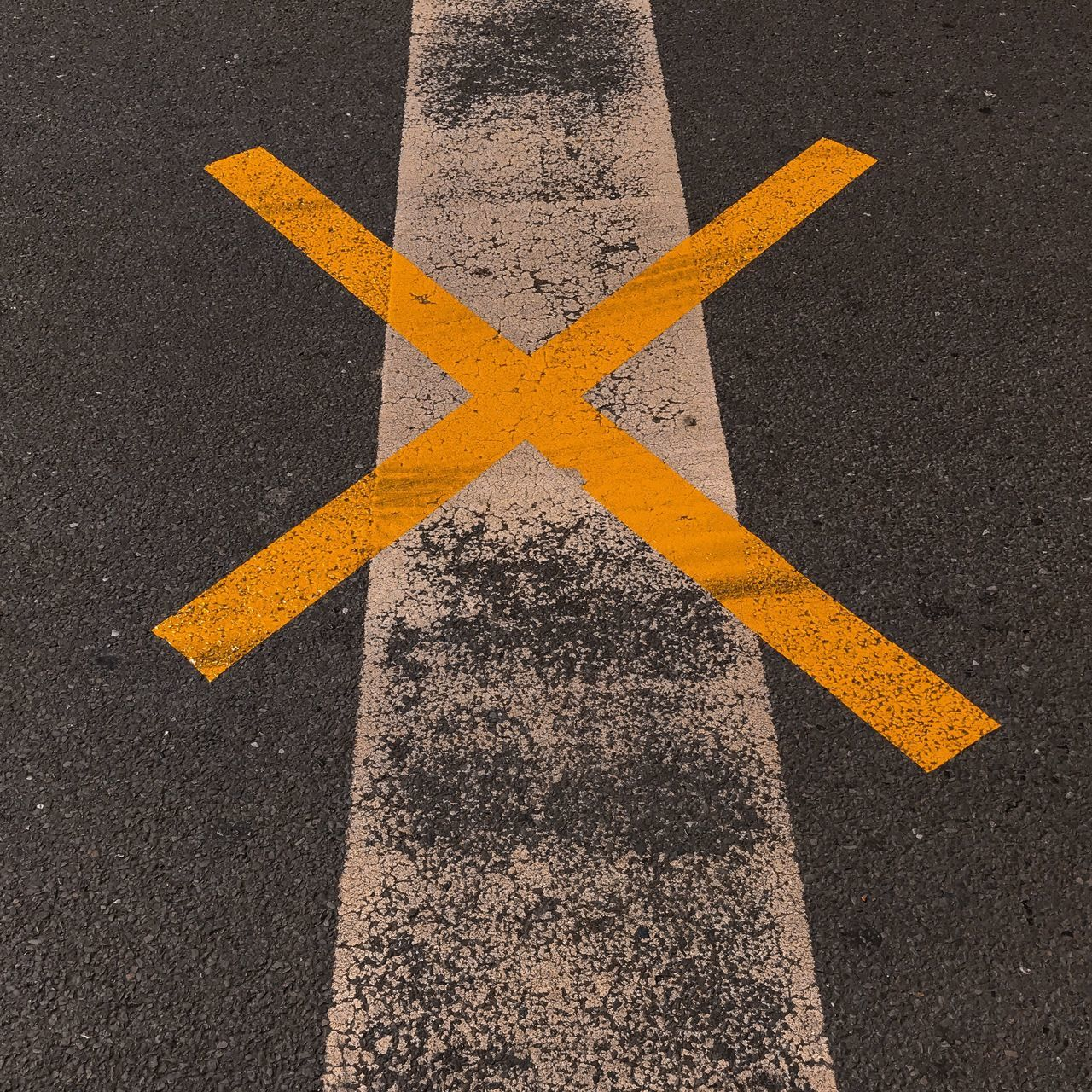 road marking, road, asphalt, yellow, guidance, transportation, high angle view, no people, day, outdoors, close-up, road sign