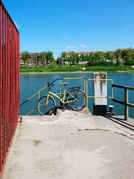 Sunny days and a yellow Bicycle ... Riverside River View Mannheim Structure The Places I've Been Today Springtime