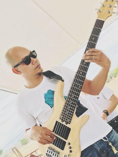 LowEnd Electric Guitar Guitar Musical Instrument Rock Music Eyeglasses  Playing Music Skill  Bass Instrument Bass Guitar