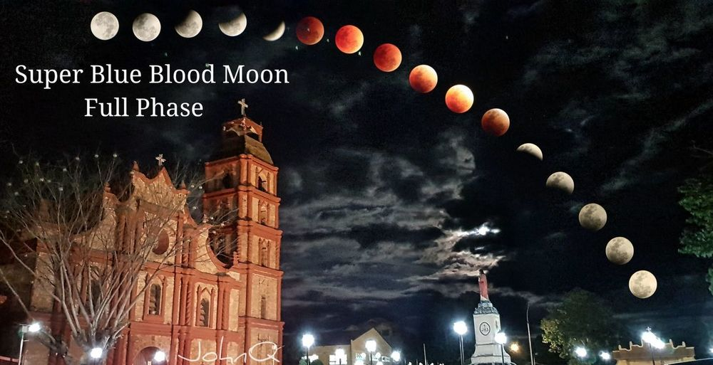 Super Blue Blood Moon-Full Phase St. Peter Metropolitan Cathedral Super Blue Blood Moon EyeEmNewHere Night No People Outdoors City Close-up