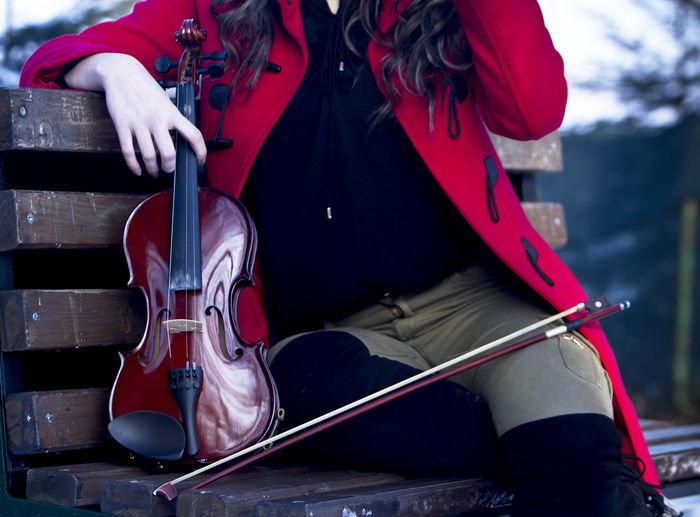 Art Beautiful Bokeh Bookeh Cold Dof EyeEm Best Shots Fashion Fashion Photography Girl Hairstyle Make Up Model Modeling Outdoors Portrait Portrait Photography Posing Snow Snowy Violin Violinist Week On Eyeem Winter Women