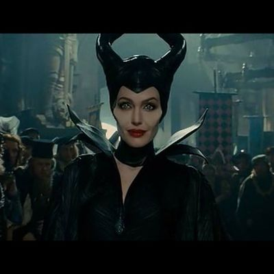 Watching Maleficent while waiting for our last subject MOVIE Movieaddict Student MasLatePaAngProfKesaSaAmin