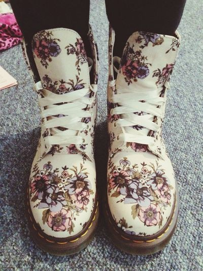 Laaav my new dr martens Drmartens #shoes #fashion #design Floral