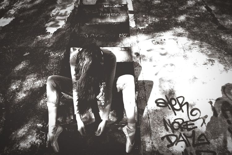 Dance Streetphotography Blackandwhite
