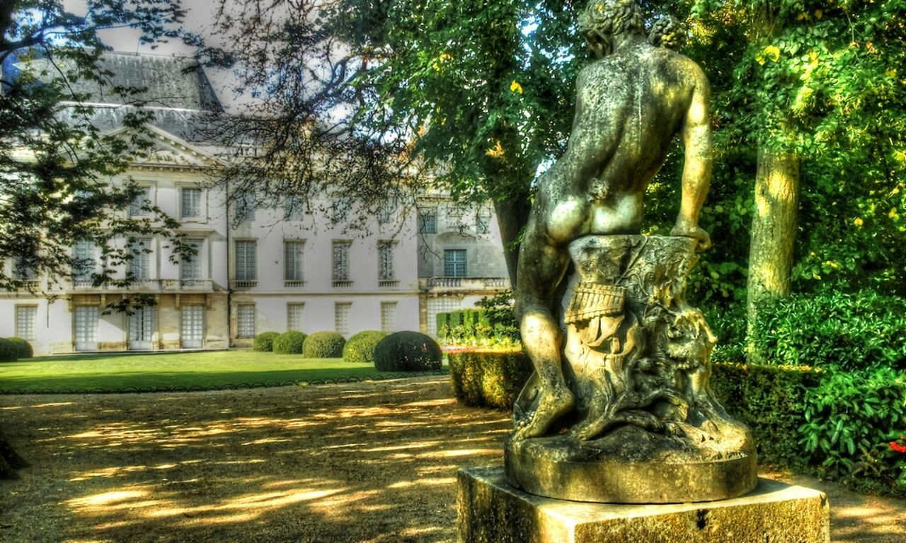 statue, architecture, built structure, sculpture, tree, building exterior, no people, growth, day, outdoors, nature