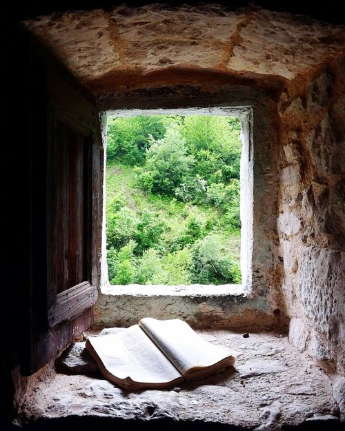 The Great Outdoors With Adobe Abruzzo Italy Eremo San Bartolomeo Book Nature Green Beautiful Peace