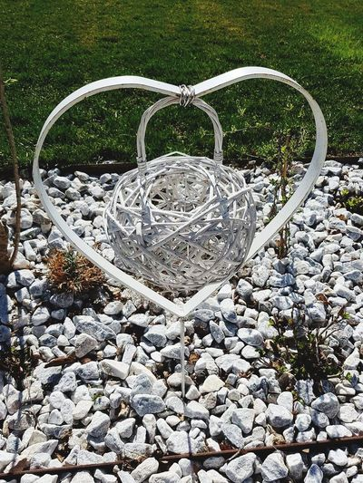 White Hear Decoration Decorative Art Decorated Decorative Decorations Decorating Decor Outdoors Niceday Nice Place Beautiful Day Park - Man Made Space Day In Park