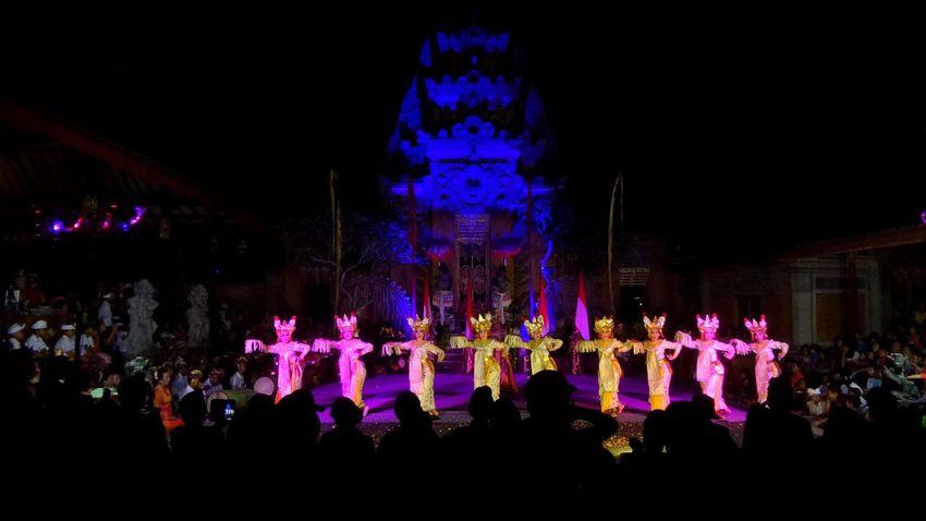 Peliatan Ubud Arts Culture And Entertainment Bali Bali Natura Bali, Indonesia Balispirit Celebration Celebration Event Dance Illuminated Islandlife Jeanmart Joseph Jeanmart Large Group Of People Lifestyles Natura Night Pure Real Real Life Temple Tourism Tourisme
