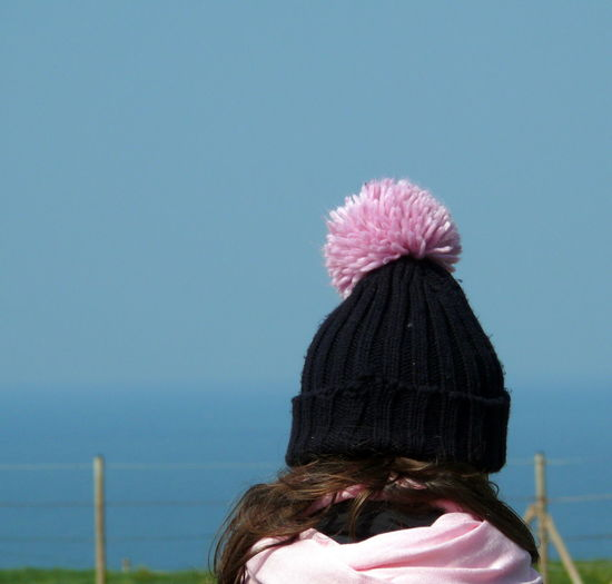 Bommel  Bommelmütze Bommelmützen Selfie Cap Captured Moment Copy Space Day Focus On Foreground Getting Away From It All Girls Lifestyles Meer Mütze Nature One Person Outdoors Part Of Pink Color Warm Clothing Weekend Activities Wind