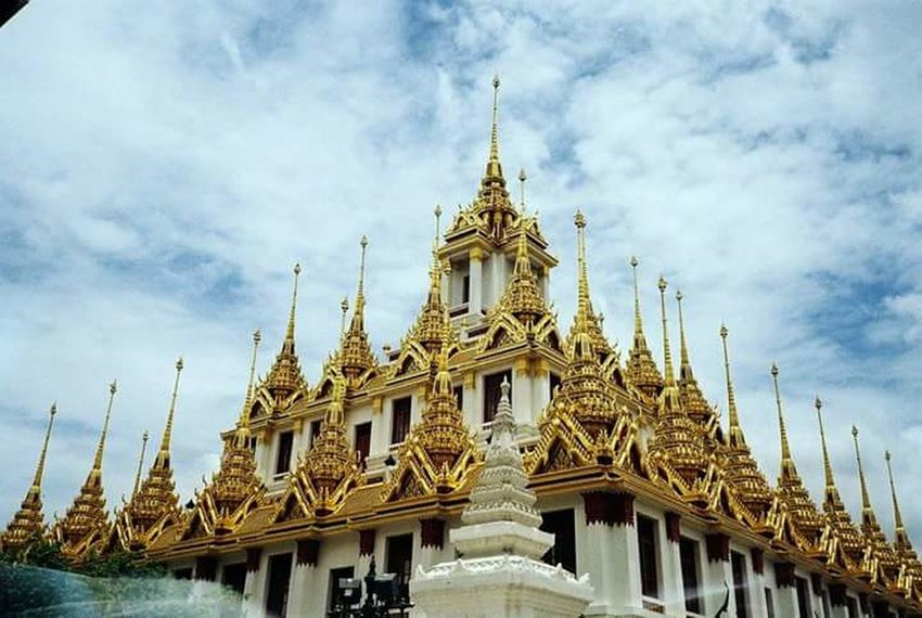โลหะปราสาท Film Camera Thailand Bangkok Olympus Mju Ll Architecture Gold Pagoda Gold Colored Religion Ornate Travel Destinations Tourism Statue Sky History Travel Ancient Royalty Arts Culture And Entertainment No People Sculpture Beauty Outdoors Building Exterior