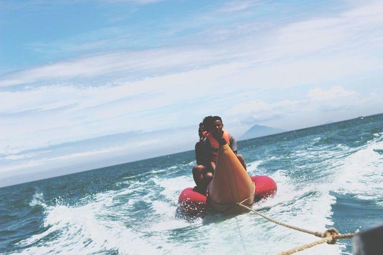 banana boat Banana Boat EyeEm Selects Water Wave Sea Oar Full Length Sitting Women Nautical Vessel Adventure Motion Jet Boat Surfing