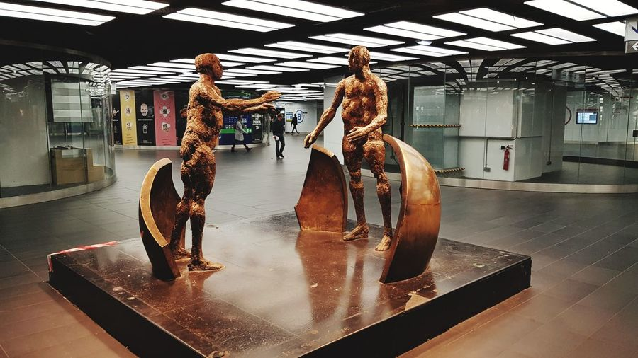 Châtelet Les Halles Paris Statues And Monuments Statues/sculptures Statue Photography Water Trapped