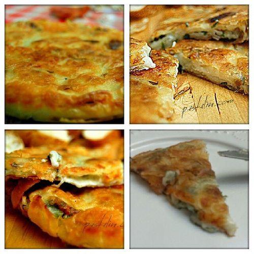 Kuru yufka böreği sahur icin... 2 adet kuru yufka, evde olan parça peynirler, maydanoz tavayi az yağlayin yufkanin birini alip kirin ve bir kaba koyduğunuz suda iyice ıslatın ve tavaya yerleştirin ilk yufka bitince araya maydanoz lu peyniri yayin ve ikinci yufkayada ayni işlemi uygulayarak peynirlerin üstünü kapatin ce az yağ sürün arkası önü güzelce kizarana kadar pişirin afiyet olsun ;) Börek Peynirliborek Kuruyufka Instalike instafood instagood lezzet pastalin.com yemekblog yemekfotografciligi