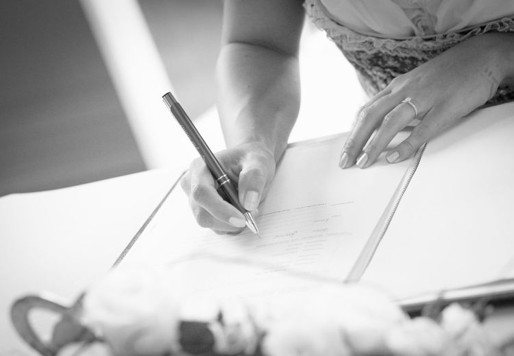 Wedding Wedding Wedding Photography Human Hand Close-up Paintbrush Signing Home Improvement Bride Wedding Dress Bridal Shop Paint Can