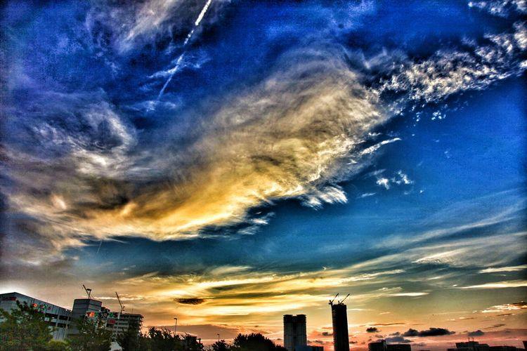 コレも蔵出し(*^^)/ 真ん中のマンションが建設中の頃だから、去年の夏あたりかな?σ(^◇^;) My Best Place 俺の場所 アイランドシティ My City I Love My City Landscape Landscape_Collection Landscape_photography Landscape_photography Landscapes Japan Scenery Japan Photography Japanese Architecture Building Buildings & Sky Sky And Clouds Sky And City Sunset Sunset_collection Sunset Silhouettes シルエット部 Silhouette Silhouettes Of A City Silhouette_collection Taking Pictures