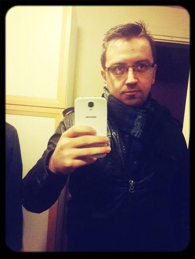 Today's Hot Look That's Me Hi! Selfie ✌