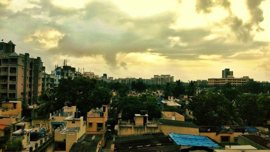 Mumbai Monsoon On The Way....☁⚡☁💧💦💧