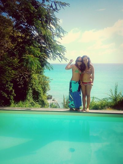 Relaxing Family Piscine Sista ! <3 That's Me and my sister.