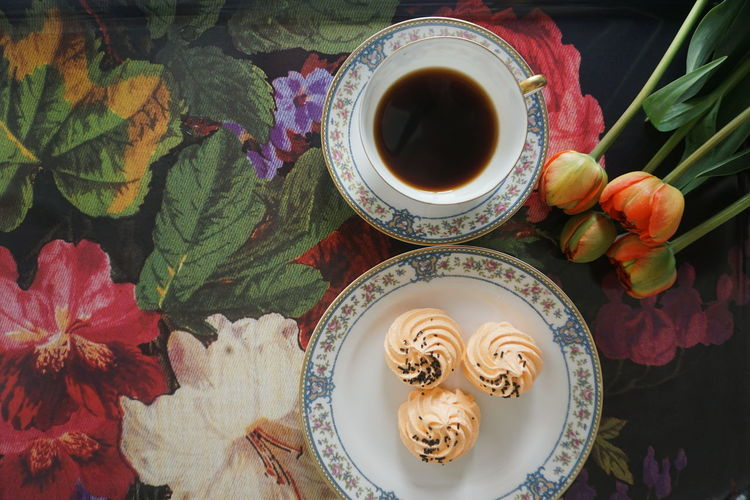 coffee and sweets Coffee Coffee Coffee Time break the mold Top View Top Perspective Flat Lay Cake Dessert Flowers Tulip Tulips Mothersday Drink Plate Table Directly Above High Angle View Tart - Dessert Flower Fruit Close-up Food And Drink Tea Cup Teapot Chinese Tea Tea - Hot Drink