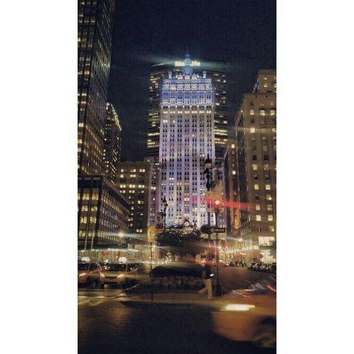 Tuesdaynight Helmsleybuilding 230parkavenue Reflection NYC Manhattan Parkavenue Photooftheday Newyorkcity Newyork Skyline Architecture Archidaily Architectureporn USA Archilovers WarrenandWetmore Grandcentralterminal Beauxarts Panam Metlife
