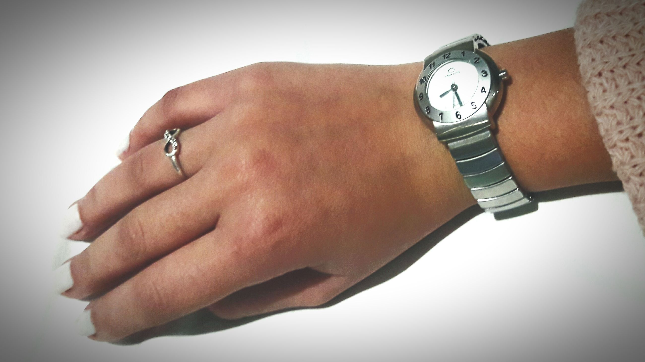 time, human hand, clock, human body part, ring, watch, jewelry, wristwatch, close-up, men, minute hand, one person, studio shot, indoors, real people, white background, clock face, hour hand, day, people
