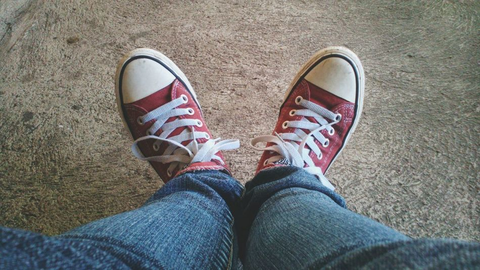 Just my Peoplephotography Week On Eyeem Shoes All Stars ⭐⭐⭐ Converse All Star Converse Red Red Shoes Outfit #OOTD Outfit Low Cut