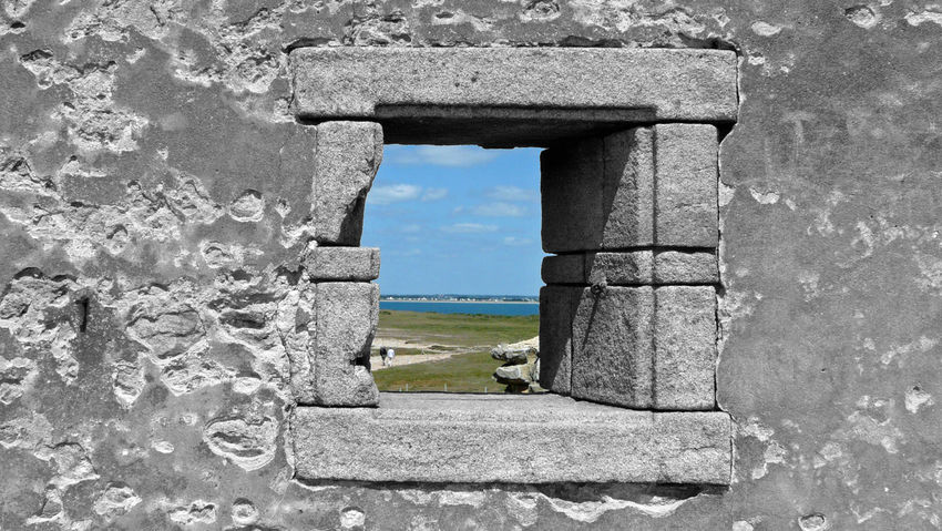 Windowed on the colour Coastline Percho Wall Age Ancient Coastal Path Côté Sauvage Day Monochrome Outline Monochrome Strapping Monochrome World Old Ruin Outdoors Scene Of Life Sky Wall And Open Window Water Wild Side Window Window Frame Window View Gender Blend Black And White With A Splash Of Colour Break The Mold Perception