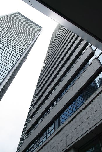 Low Angle View Built Structure Architecture Building Exterior Sky Office Building Exterior City