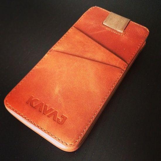 Mein iPhone hat nun einen schönen, stabilen und praktischen Schutz #KAVAJ #iPhone5S #Hülle #Leder Leder KAVAJ Hülle Iphone5s