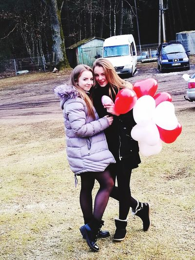 Friends Bestfriends Like Sisters Present Balloons Audi Background Birthday Photo Girls Young Women Smiling Friendship Happiness Togetherness Childhood Fun Cheerful Red Lipstick Sister Posing Only Girls Lip Gloss Natural Beauty