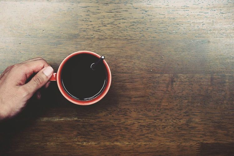 Drink Coffee Cup Refreshment Coffee - Drink Table Food And Drink Human Hand Cup Non-alcoholic Beverage Freshness Drinking Wood - Material Directly Above Human Body Part Indoors  Tea - Hot Drink One Person Close-up Day People EyeEmNewHere EyeEm Selects