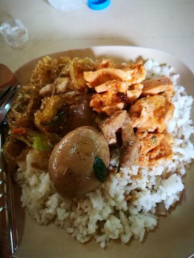 Food And Drink Food ข้าวแกงราดข้าว ข้าวแกง ถูกจริงๆ