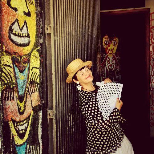 Dancing Around The World La Pinturitas
