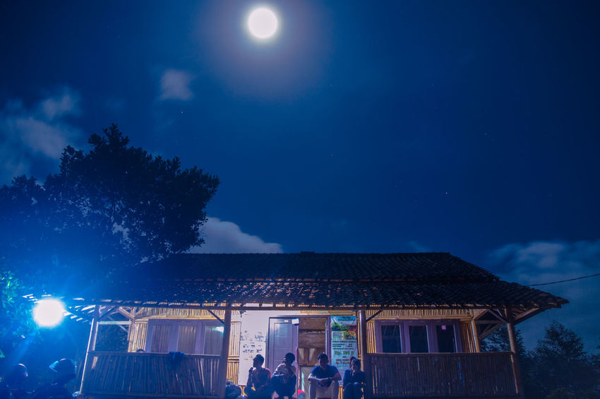 Spending time on this villa with my friends. THESE Are My Friends Night New Years Resolutions 2016 Night Lights Night View Nightlife Light Clouds And Sky Light And Shadow Sky Porn Traveling Capturing Freedom Sound Of Life Travel People Shades Of Blue Moonlight Moon Light