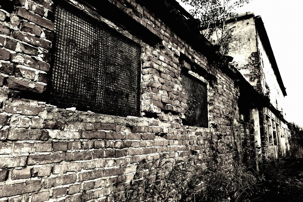 Walk forgotten streets of my city. Abandon_seekers Abandoned Abandoned Buildings Abandoned Places Architecture Best Eyeem Edits Best EyeEm Shot Brick Brick Wall Building Exterior Built Structure Damaged Deterioration From My Point Of View FUJIFILM X-T10 History Low Angle View Obsolete Old Stone Wall The Past Wall - Building Feature Wasiak Weathered Window