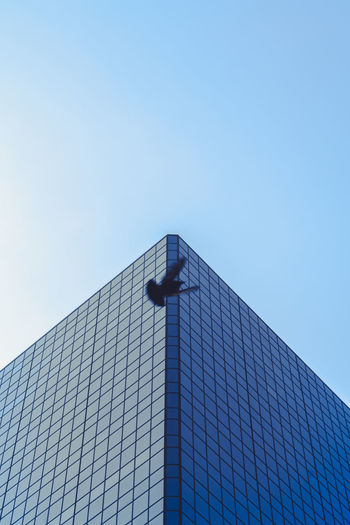 Canada Coast To Coast Toronto Building Minimal Architecture Built Structure Building Exterior Sky Low Angle View Clear Sky Day Skyscraper Directly Below Tower Modern Blue Glass - Material Tall - High City Copy Space Bird Minmalism Minimal Photography Geometric Shape Geometry My Best Photo