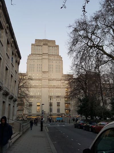 London London United Kingdom Architecture Building Exterior Built Structure City Day Land Vehicle Large Group Of People Men Outdoors People Real People Sky Travel Destinations Tree University
