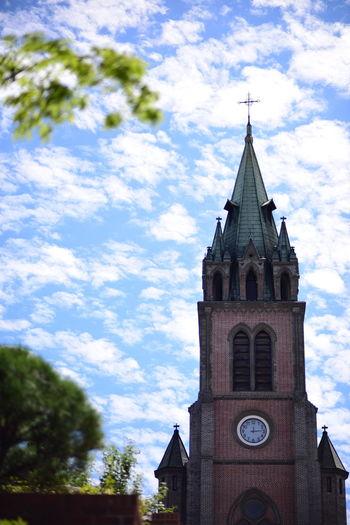 갑자기 가을. 퇴근길 명동. Blue Sky Sky And Clouds Myeongdong Cathedral Autumn Colors Autumnsky Clouds And Sky