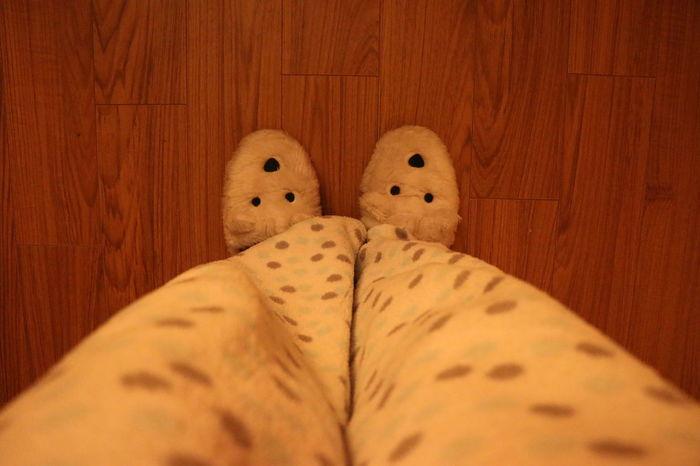 Peluche Afable Confort Human Leg One Person Personal Perspective Pijama Pijamas Pijamatime Sleep Suave